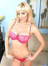 Holly Photo 2