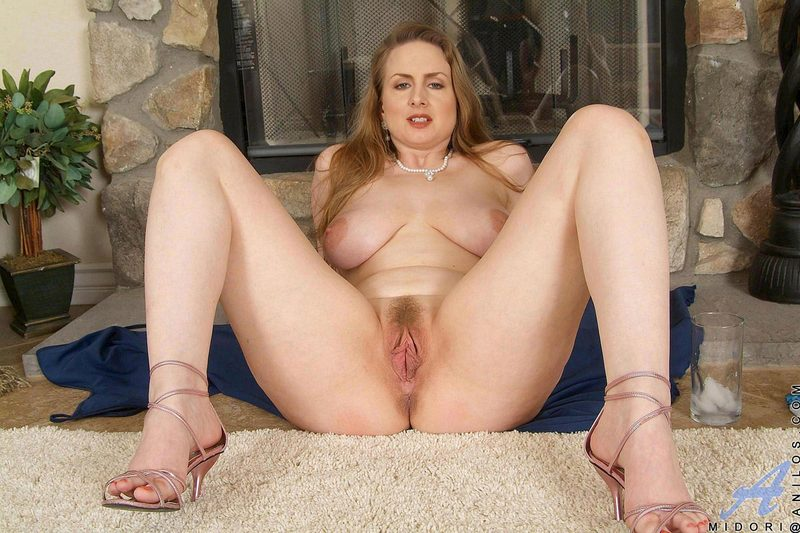 lea pounds away on a on a young guy s tight ass till he cum