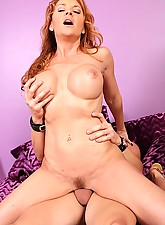 Janet Photo 13