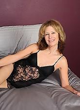 Janet Photo 6