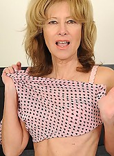 Janet Photo 2