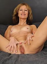 Janet Photo 5