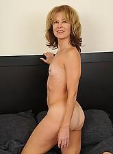 Janet Photo 14