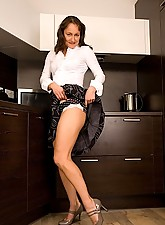 Carla Photo 3