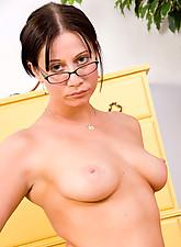 Christine Photo 15