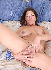 Gina Photo 14