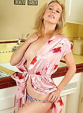 Marie Photo 7