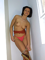 Mona Photo 6