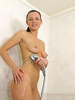 Lenka 4 Photo 5