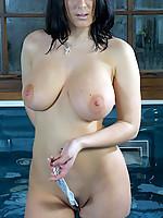 Alana Photo 6