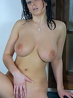 Alana Photo 13
