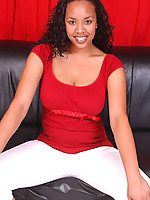 Dominique Photo 5