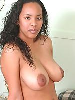 Dominique Photo 10