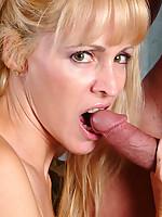Nicole Photo 4