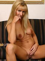 Nicole Photo 9