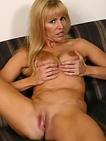 Nicole Photo 12