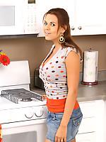 Nicole 5 Photo 1