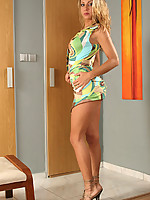Renee 3 Photo 4