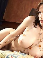 Miriam 3 Photo 15