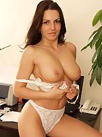 Andrea 7 Photo 7