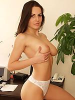 Andrea 7 Photo 8