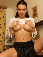 Andrea 7 Photo 4