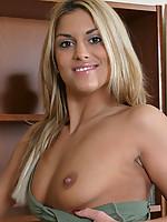 Sarah 4 Photo 5