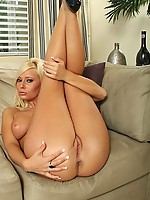 Angelina 3 Photo 14