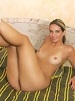 Veronica Photo 9