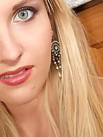 Cecilia Photo 15