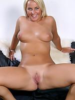 Susan Photo 15