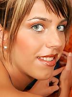 Jennifer 4 Photo 14