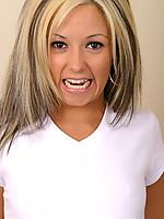 Chrissy 2 Photo 4