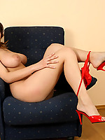 Sarah 3 Photo 6