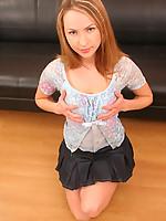 Vicky 2 Photo 2